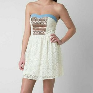 Med. Cream Lace Dress